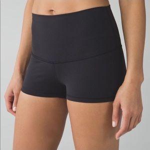 Lululemon size 2 black high rise bootie shorts.